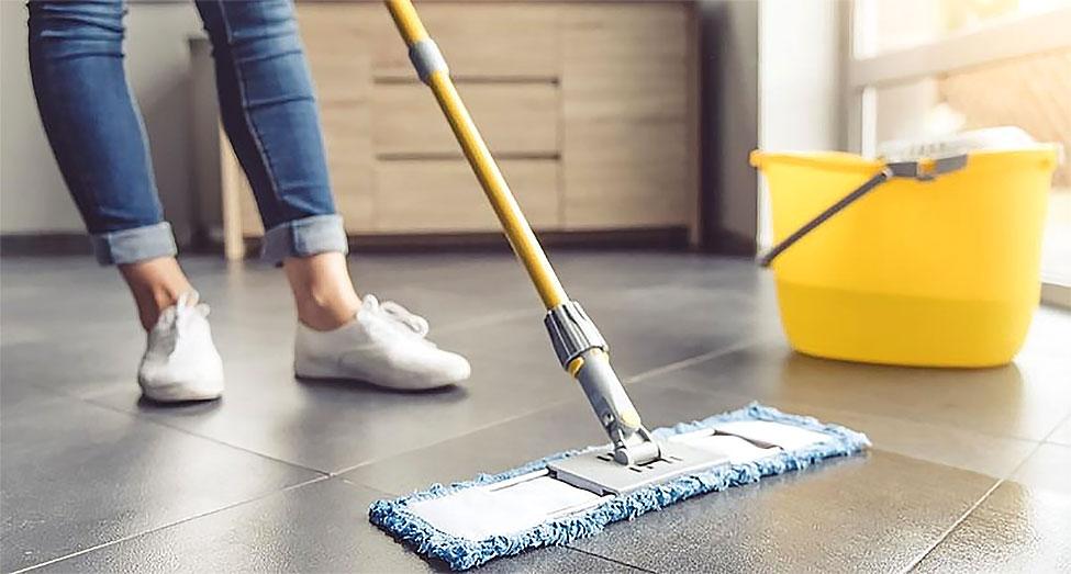 L'important nettoyage final de la construction